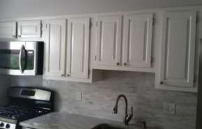 REFACING VS. REFINISHING YOUR KITCHEN CABINETS